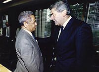 Prime Minister Ruud Lubbers in conversation with a Moluccan Minister